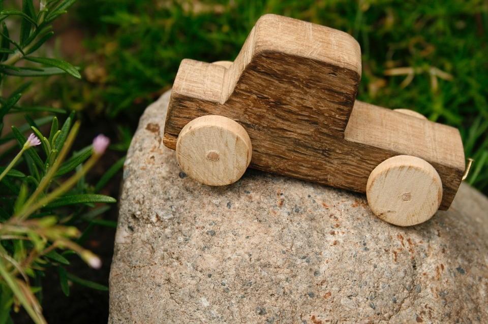 10 beneficios de los juguetes de madera para los niños