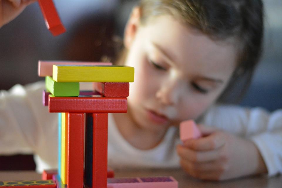 Beneficios de jugar con LEGO para los niños