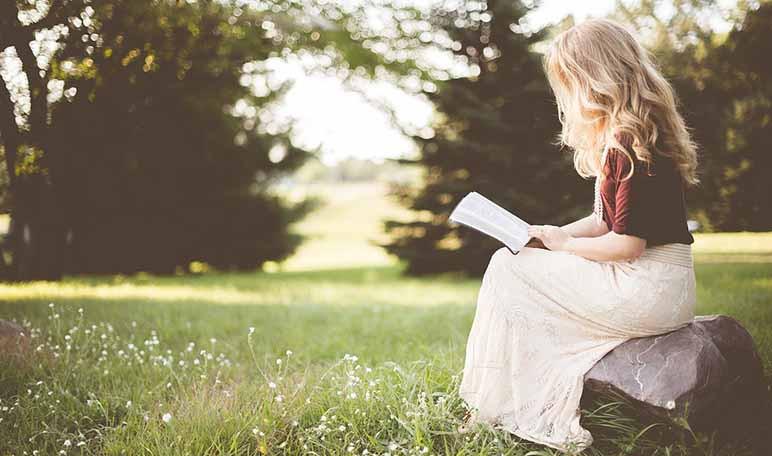 Cómo fomentar la lectura al aire libre en verano