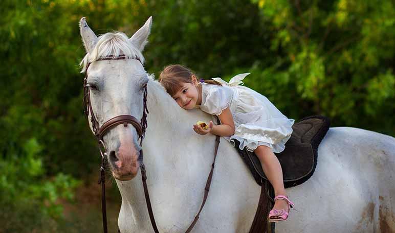 beneficios-de-la-equitacion-para-los-ninos-wikiduca