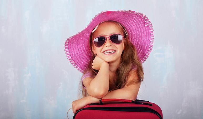 preparar-la-maleta-del-campamento-de-verano-de-los-ninos