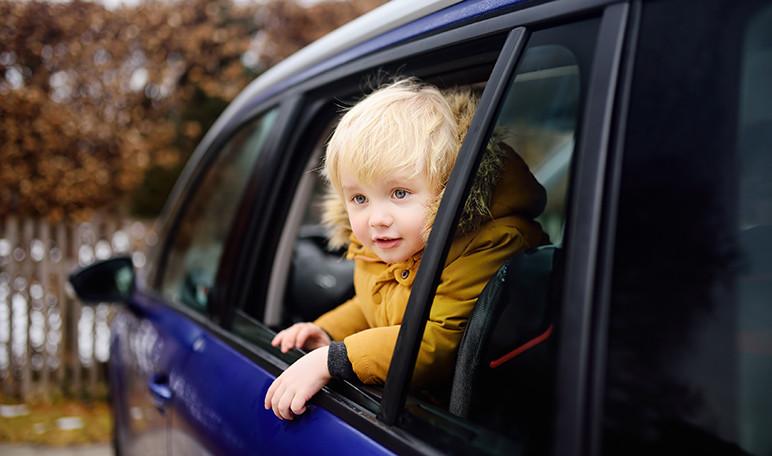 como-evitar-que-los-ninos-se-aburran-durante-los-viajes-en-coche-wikiduca