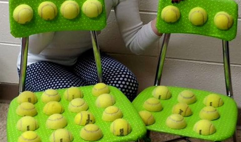 Una maestra inventa unas sillas para niños con autismo